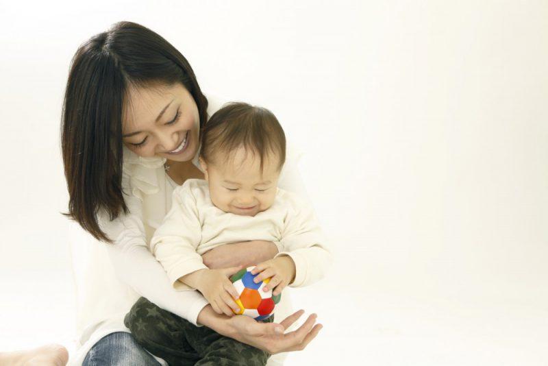 10年でシングルマザーは、200%増!